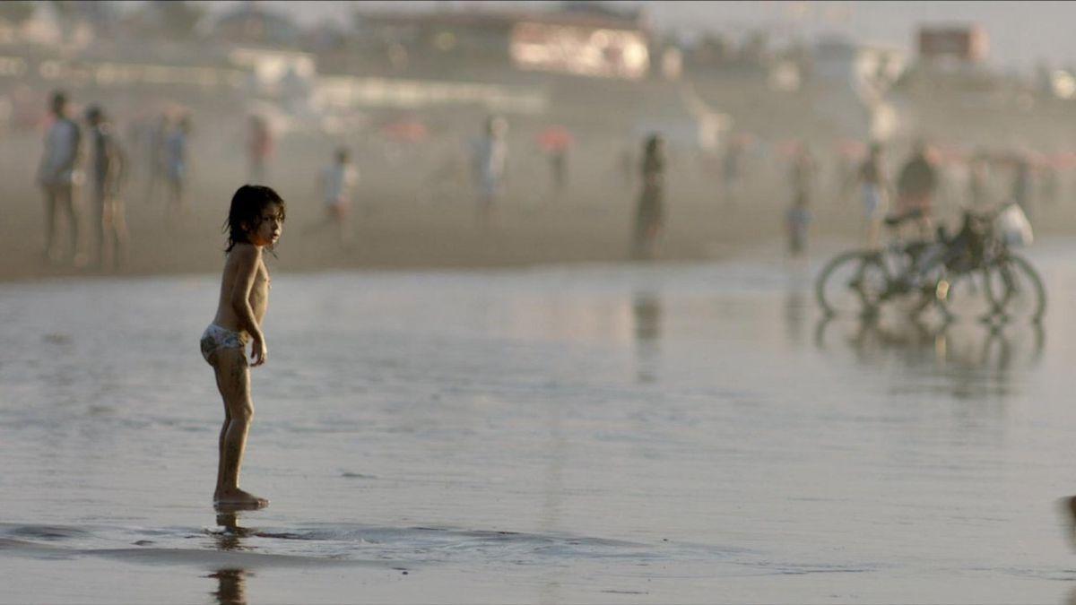 CARRÉ 35 Bande Annonce  Documentaire Familial